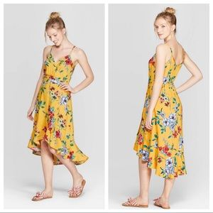 NWT Yellow Floral V-Neck Midi Dress